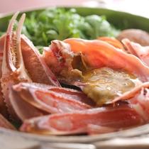 松葉がにのかにすきの一例。 旨味いっぱいのお出汁で雑炊までお楽しみ♪