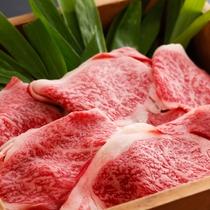 サシも美しい、厳選牛しゃぶ肉の一例