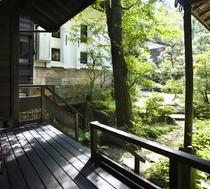 ゆったりとした雰囲気は、懐かしい日本の宿を感じさせます。