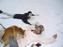 スノーピクニック5(フワフワの雪にダイビング〜!)