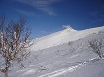 【スノーシューツアー】間近に見える冬の十勝岳(十勝岳コース)