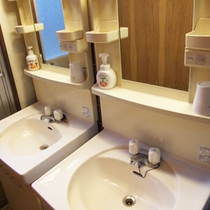 *館内一例:洗面所