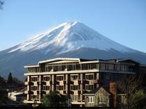 四季の宿富士山の外観