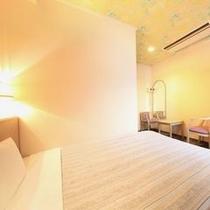 【ダブルルーム】15平米(ベッド140×200)