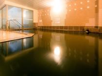 湯量豊富な女性大浴場