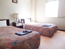 【ツインルーム】13.5㎡・ベッド幅90cm