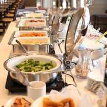 【朝食】十勝の味盛りだくさん!和洋のバランスがとれたこだわりの朝食バイキング