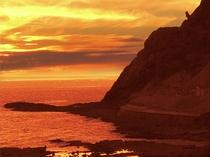 【周辺風景】夕暮れのカブト岩
