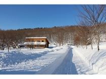 冬のだんだん村