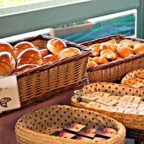 朝食一例パン