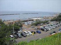 東の輪海水浴場の賑わい(1)