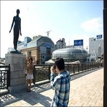 【MOOと幣舞橋】 ホテルから徒歩3分 空港連絡バスがMOOに停車いたします