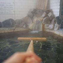 数ある白浜温泉の中でも最良質と言われている「甘露の湯」