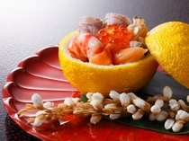 旬の素材たっぷりに彩りも鮮やかな料理