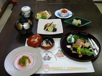 【雛懐石】お雛の時期特別料理です。