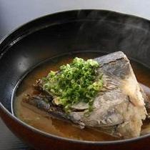 *ご夕食例(かつおのビンタ料理)
