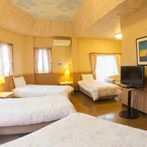 *【グループルーム】天井が高く広々としたお部屋です