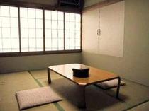 【竹】6畳タイプの和室一例:2〜3名にて利用OK