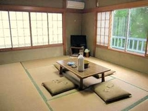 【牡丹】8畳タイプの和室一例:2〜4名にて利用OK