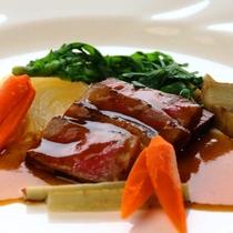 福島県産煌牛(きらめき牛)ロース肉のソテー(2016.12-2017.01プレステージより)