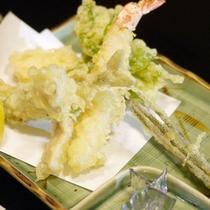 *【夕食例】旬の味覚をお楽しみ頂けるお食事です。