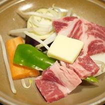 *【夕食例】美味しいお食事に思わずにっこり。