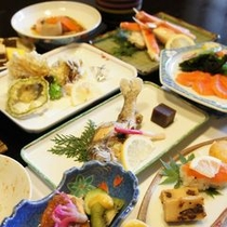 【お料理】魚・山菜会席料理 当館の板前が素材をが厳選して料理をご提供致します。