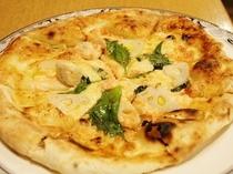 本格釜で焼上げる人気のピッツァ