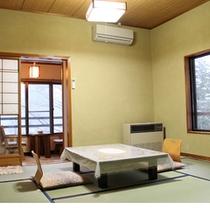 渓流側8畳和室