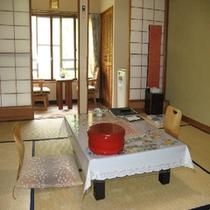和室渓流側のお部屋(8畳)