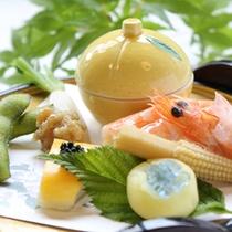 季節感溢れる彩り豊な前菜(一例)