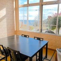 【竹の間】『6畳』『収容人数2人』『お座席・テーブル選択可』『夕食単独利用可(有料)』『会議室可』