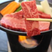 【仙台黒毛和牛】肉のやらわかさと脂の旨味が特徴です。塩でおいしくいただけるお肉です