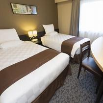 [客室]南館エコノミーツイン(広さ15.2~17.4㎡/ベッド幅110cm×2台)