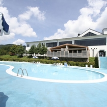猪苗代湖をのぞむカジュアルリゾートホテルです。