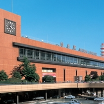 【仙台駅】仙台駅からお車で5分。バスをご利用の際は、バス乗り場35番・36番です。