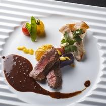 【2016秋のお献立】登別牛ヒレ肉のポワレと芽室産ホエー豚肉のハーブソテー
