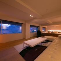 【エグゼクティブスイート】100㎡の広さを誇る当館の最上級客室。最高のおもてなしをお約束いたします。