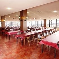 ホテル本館レストラン