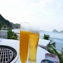 海を眺めながらBBQ!ビールやマンゴージュースで乾杯♪