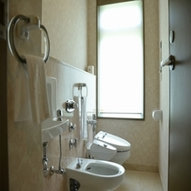 ダブルルームのトイレ