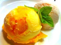 Mango & Strawberry Icecream