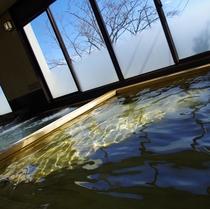 英虞湾を見晴らす大浴場一例(ひのきのお風呂)