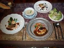 夕食(一例です♪)