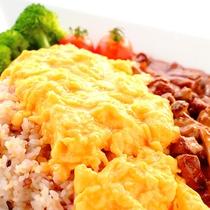 美彩BISAI ~お食事例:雑穀米のふわとろオムライス~