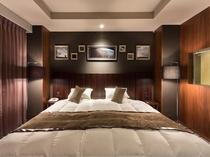 客室例:スタイリッシュルーム インペリアル キングサイズベッド