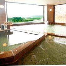 ■女性大浴場・広々して窓も大きいので開放感がある