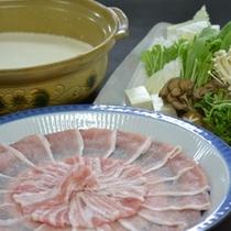 ■豚骨豆乳鍋の一例(選択鍋料理コース)