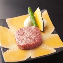 A5ランクの「信州プレミアム牛」!オレイン酸をたっぷり含んだ上品なお肉です。