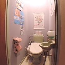 *【館内/共同トイレ】1.2階にございます。清潔がモットー!